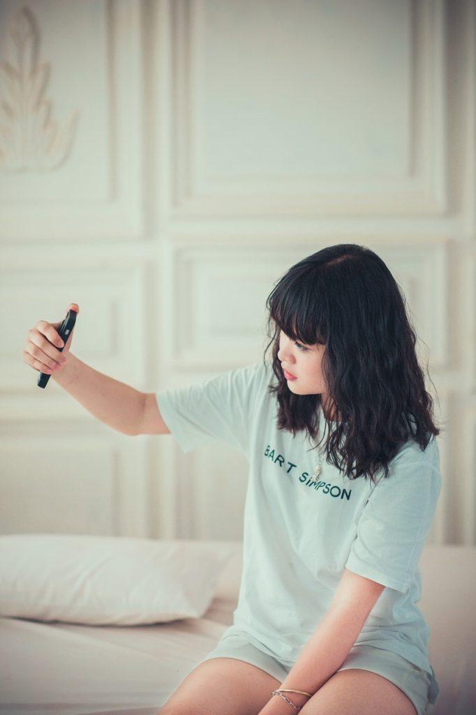 girl, bedroom, selfie